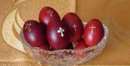 easter eggs with cross